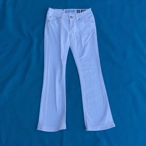 White miss me jeans